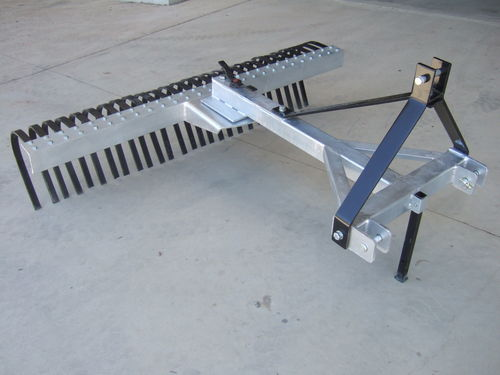 Aussie 4ft stick rake galvanised