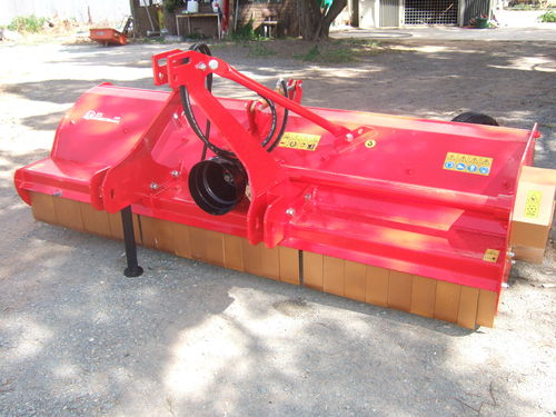 Becchio TS260 linkage mulcher with wheels