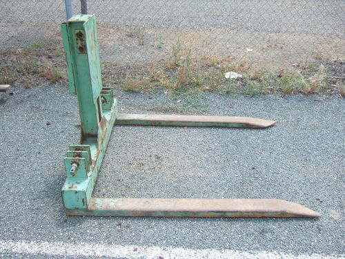 Dalmore hay  pallet forks linkage