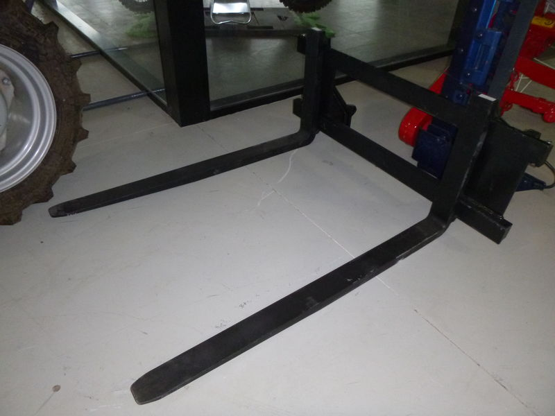 Euro Hitch Pallet Fork