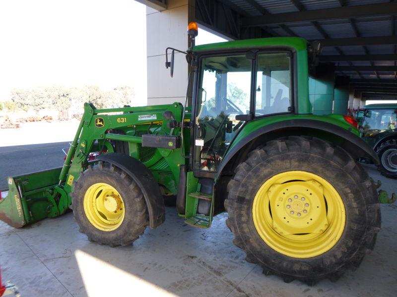 John Deere 6220 Tractor