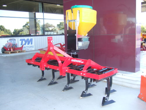 Minos 9 tine cultivator with 100Lt electric spreader