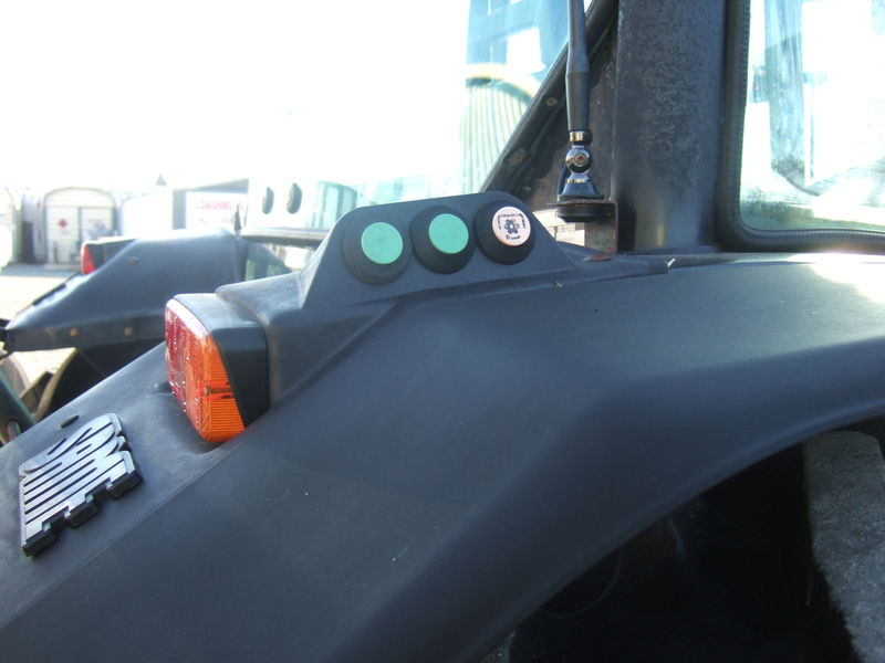 Same Dorado 85 Cab Tractor With Loader