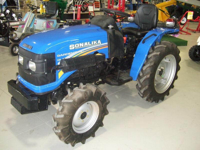 Sonalika 20hp 4wd rops tractor