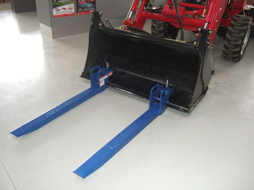 TWM clamp on pallet forks