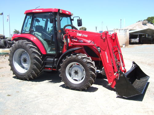 TYM T1003 Tractor front end loader 100hp