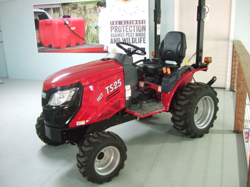 Tym TS25  tractor 25hp 4wd rops