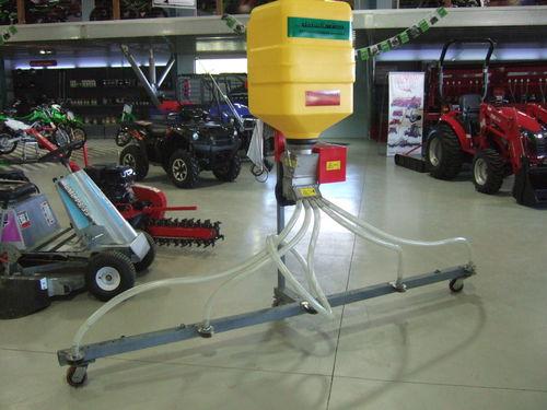 Universal seeder