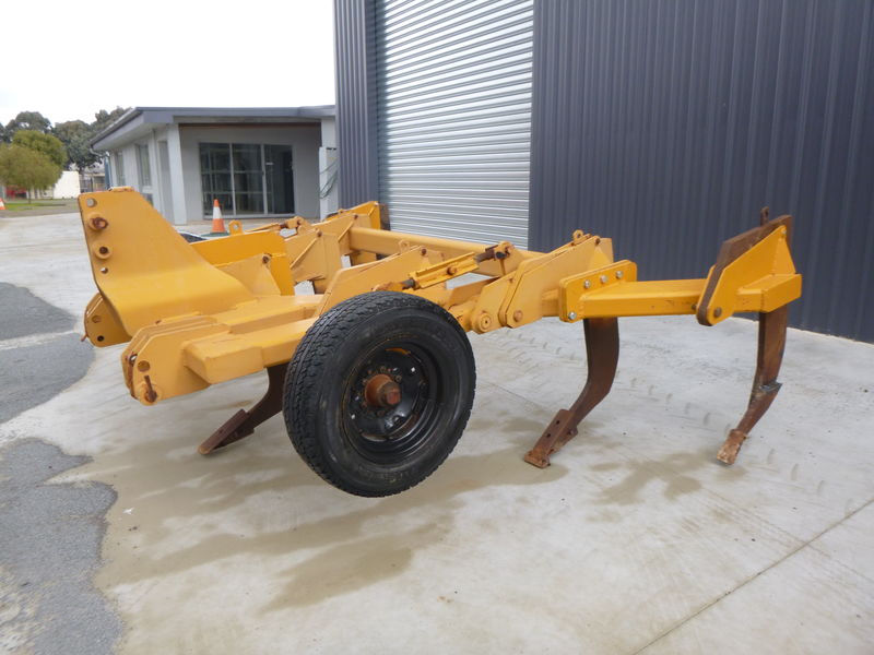 heavy duty 7 tyne ripper with depth wheels