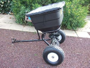 ATV fertiliser spreader