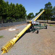 46and39 X 9 EASY LIFT GRAIN AUGER