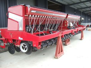 Titanium BDS 8000 single disc seeder
