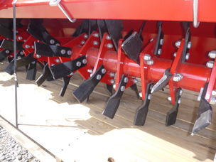 Brevi b123 +quotknife+quot rotary hoe