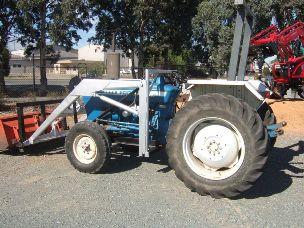 Ford 3600 Tractor FEL