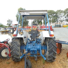 Ford 3930 2wd Rops tractor