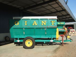 Jetstream giant mixer wagon