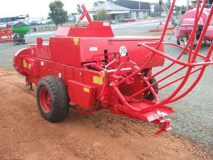 Kostka 2511 small square baler