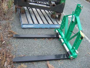 Millers Falls linkage pallet forks
