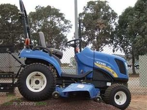 New Holland 1020 Boomer compact
