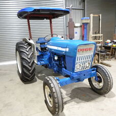S/H Ford 4000 Rops tractor