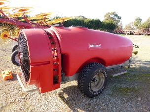 S/H Silvan Stilleto 2000lt airblast sprayer