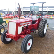 USED INTERNATIONAL 454 2WD ROPS TRACTOR