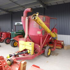 USED NEW HOLLAND 353 MIXALL FEEDER
