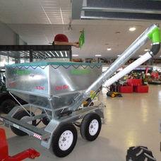 Uni Bin Trailing grain feeder
