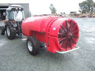 silvan supaflo 2000ltr trailing sprayer